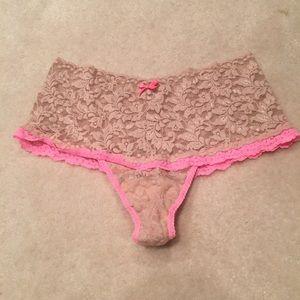 Hanky Panky Nude & Pink Hi Rise Retro Lace Thong